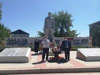 Торжественное возложение цветов к памятнику-обелиску воинам Великой Отечественной войны 1941-1945 г.